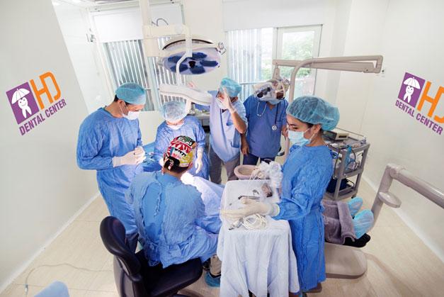 Phẫu thuật đặt Implant
