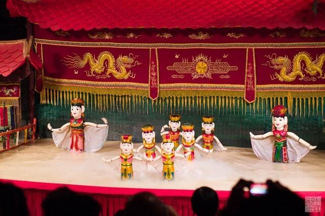 water-puppet-show