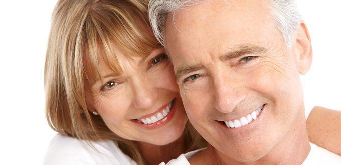 Implants cho người mất răng toàn hàm