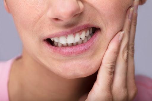 Cấy ghép Implant không đau bằng nhổ răng