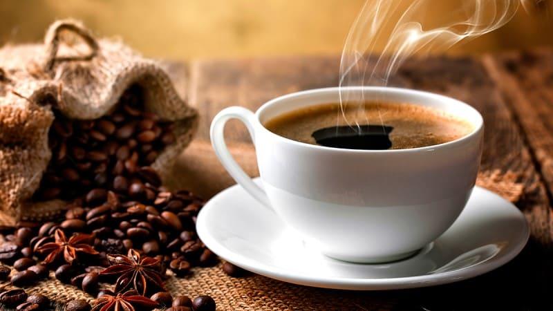 Uống cà phê là một trong những nguyên nhân khiến vòng 1 khiêm tốn