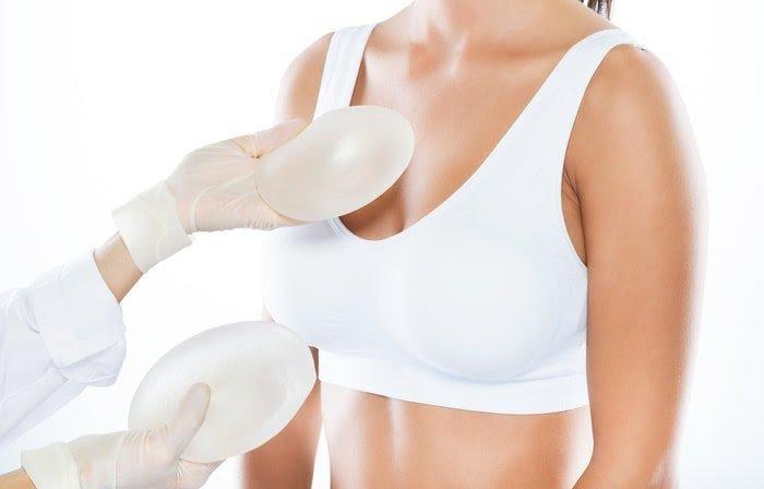 Nâng ngực bao lâu thì hết đau?